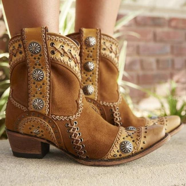 Outdoor Artificial Leather Embroidery Boots