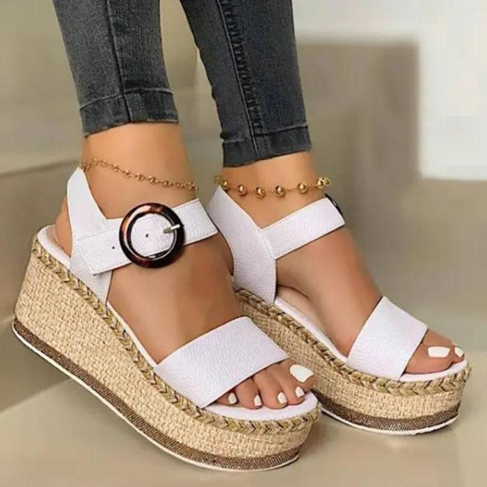 Women's Fashionable And Comfortable Woven Sole Resin Buckle Sandals