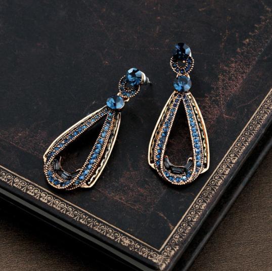 Vintage Luxury Earrings Women's Hollow Sapphire Dangle Earrings