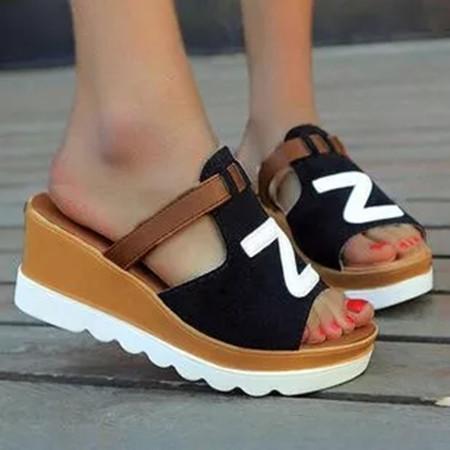 Women's Geometric Round Toe Nubuck Wedge Heel Slippers