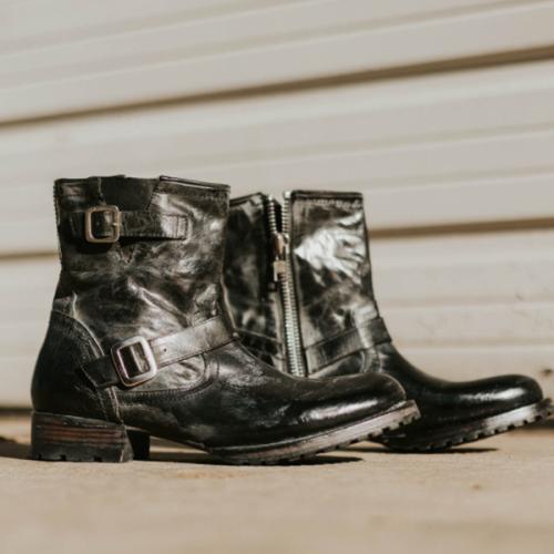 2021 Trendy New Product Square Heel Low-top Short Men's Boots with Belt Buckle