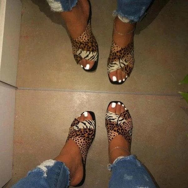 Flat With Slip-On Flip Flop Leopard PVC Slippers