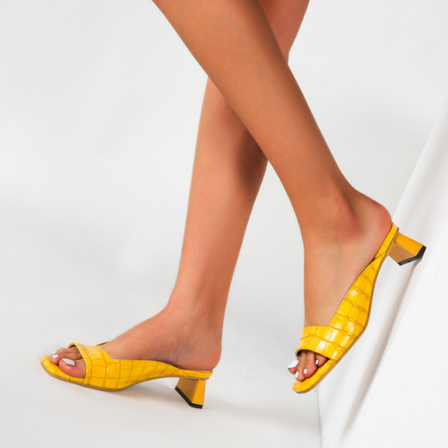 2020 New And Fashional Woman Chunky Heel Sandals
