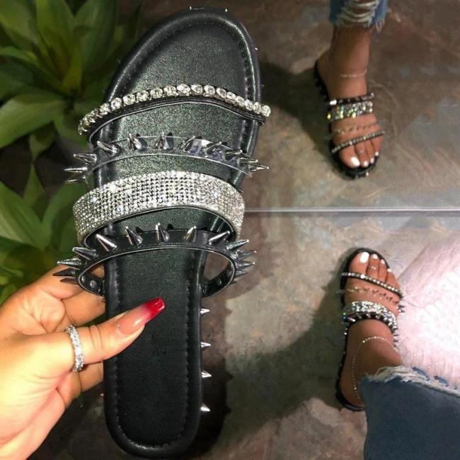 Slip-On Flat With Rivet Flip Flop Slippers