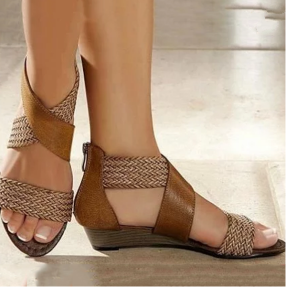 2020 New And Fashional Woman Chunky Ancient Sandals