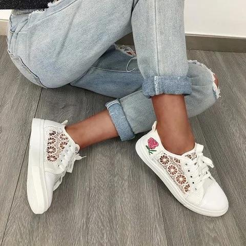 Women Stylish Lace Sneakers Casual Comfort Floral Applique Shoes