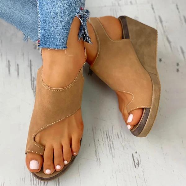 Toe Ring Cutout Slingback Sandals