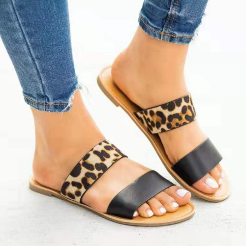 Woman Casual Leopard Flat Sandals