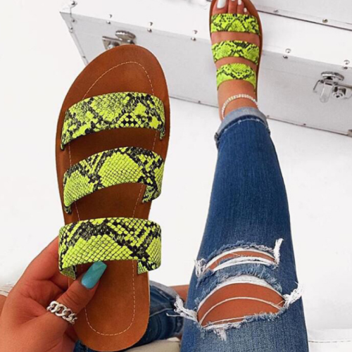 2020 New Fashion Woman Snake Skin Flat Sandals