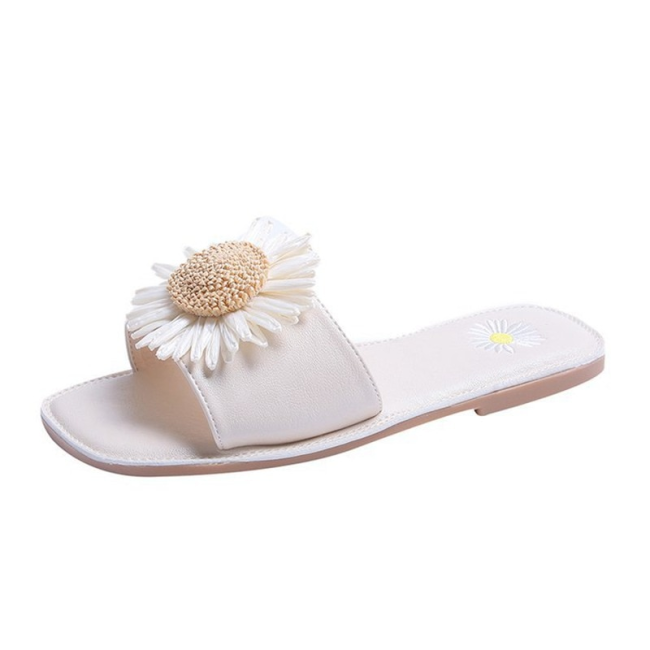 Summer New Female Simple Casual Wild Flat Daisy Sandals And Slippers