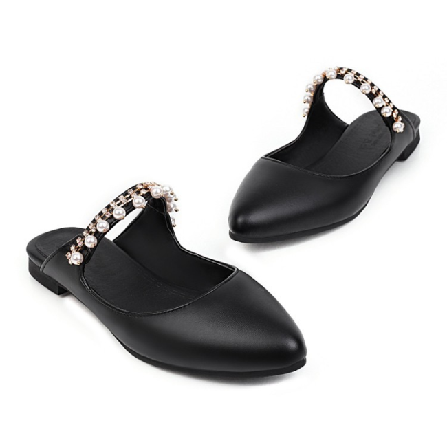 Trendy Rhinestone Beads Slip-On Plain Slippers