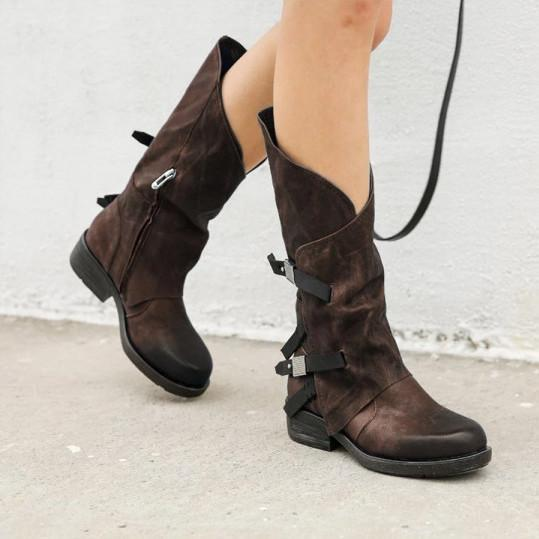 Lady Buckle Plain Round Toe Boots