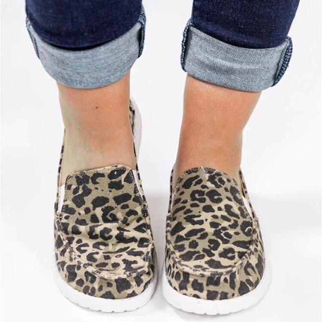 Leopard Round Toe Slip On Flat Loafers