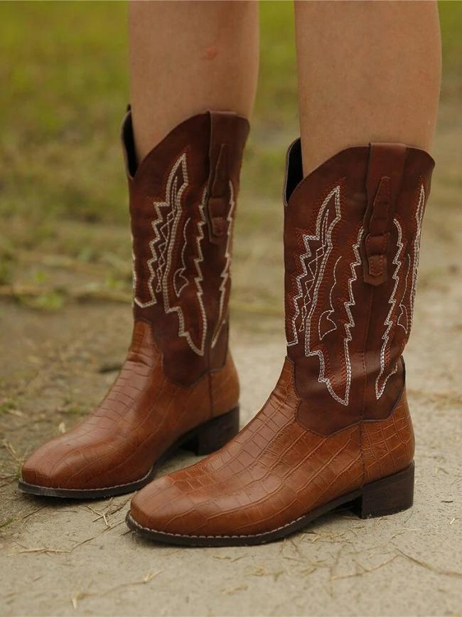 Large Size Retro Embroidered Splicing Veins Block Heel Cowboy Boots