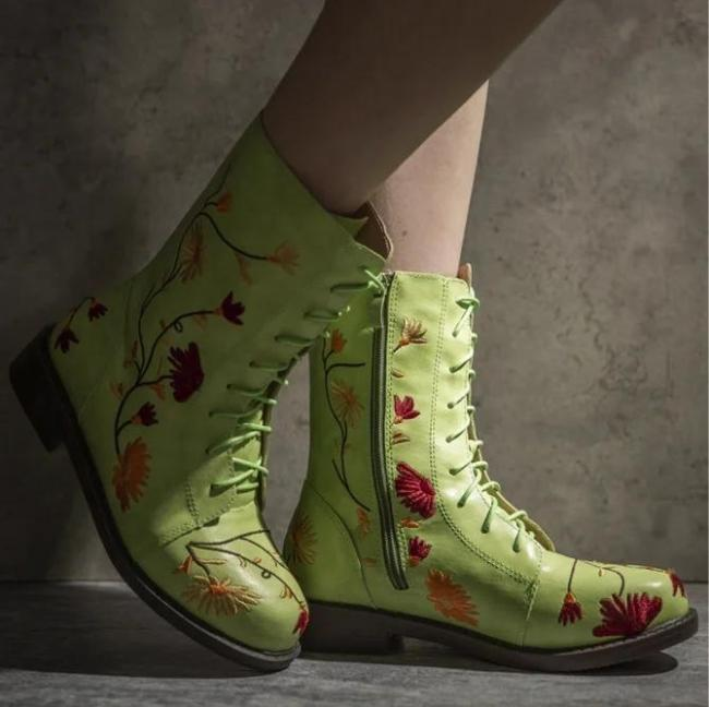 Fall Flat Heel Daily Boots