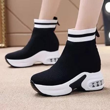 Women's Round Toe Fabric Low Heel Sneakers