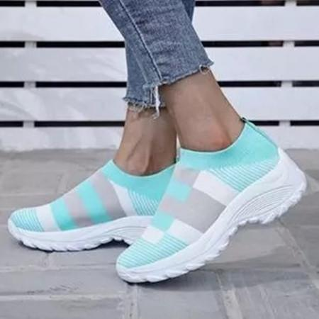 Women's Round Toe Fabric Flat Heel Sneakers