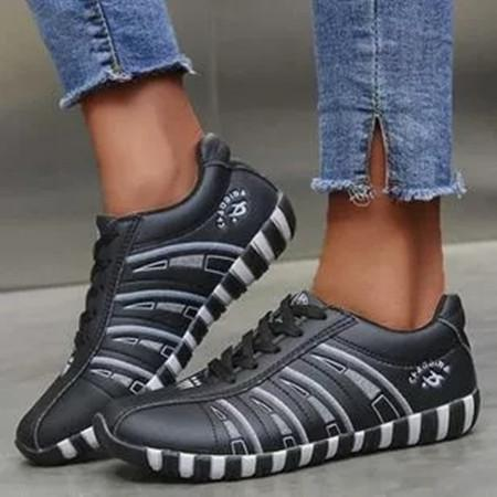 Women's Lace-up Round Toe Flat Heel Sneakers