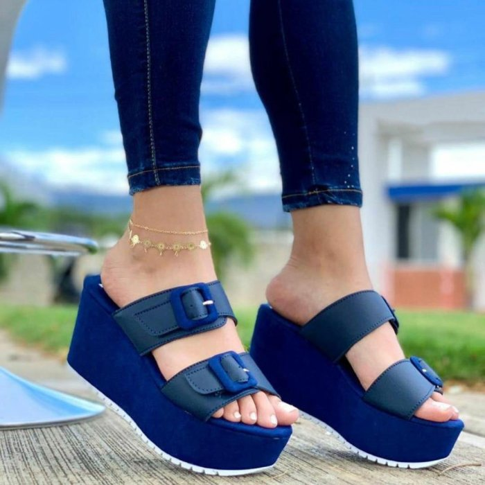Women's Comfy Buckle Straps Platform Soft Sole Slippers