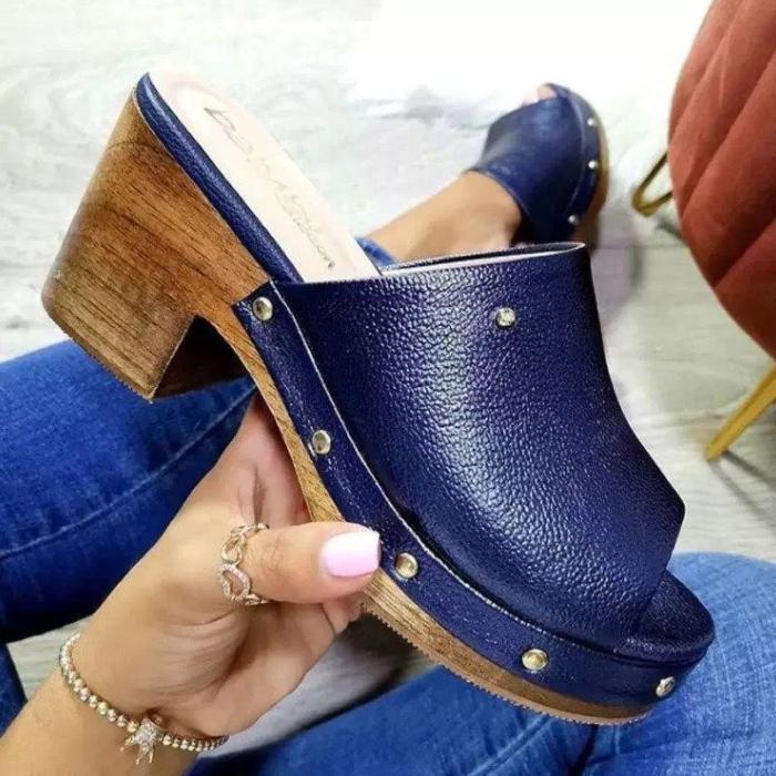 Rivet Pu Peop Toe Sandals