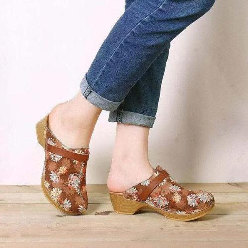 Women's Vintage Maple Leaf Printed Wedge Sandals