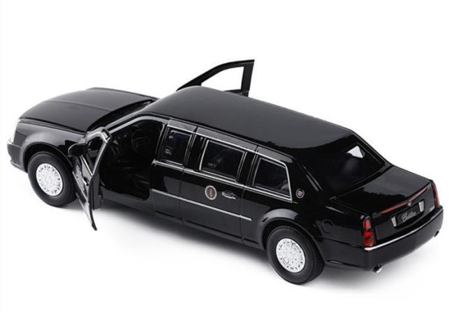 1/18 Cadillac S&S Landau Hearse 1966