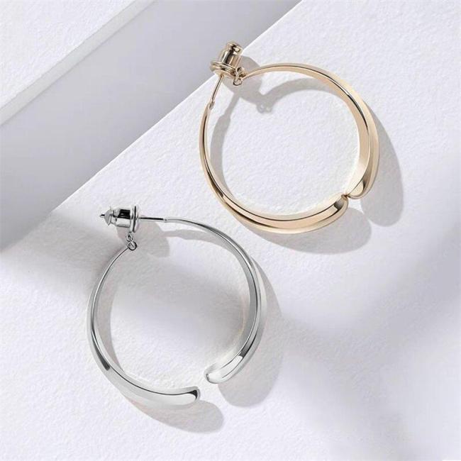 Simple Curved Earrings