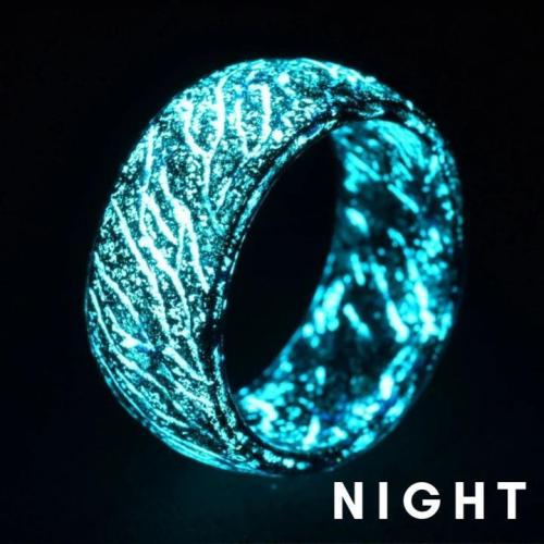 Amazing Ring - Glow In The Dark