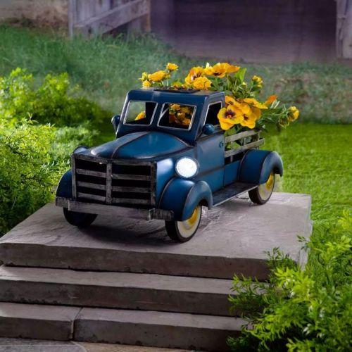 Retro Style Solar Pickup Truck Garden Decoration