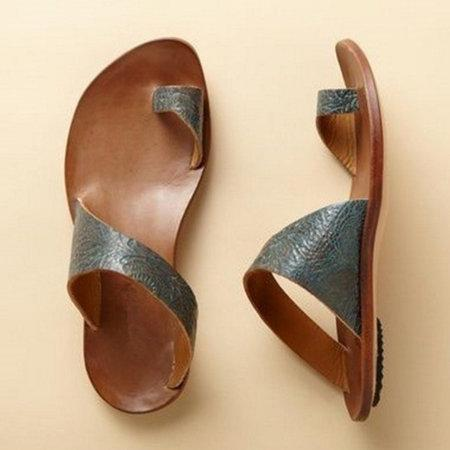 Daily Artificial Leather Flat Heel Toe Ring Slippers