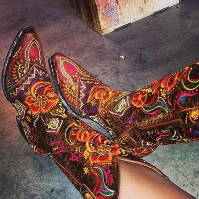 Slip-On Floral Pointed Toe Thread Boots