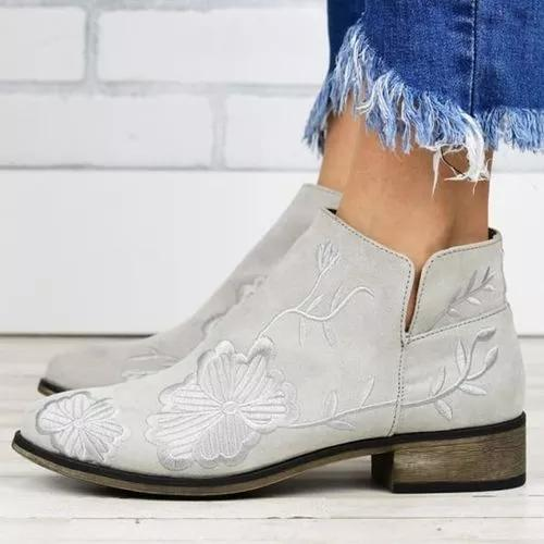 Women's Flower Round Toe Low Heel Boots