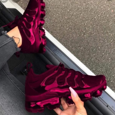 Plus Solid Color Burgundy Sneakers
