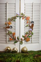 CHICKADEES & FLOWERS WREATH WALL ART