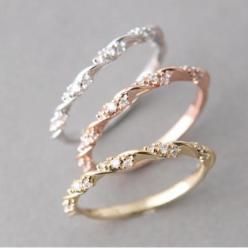 Jewelry-Simple Diamond-studded Twist Ring