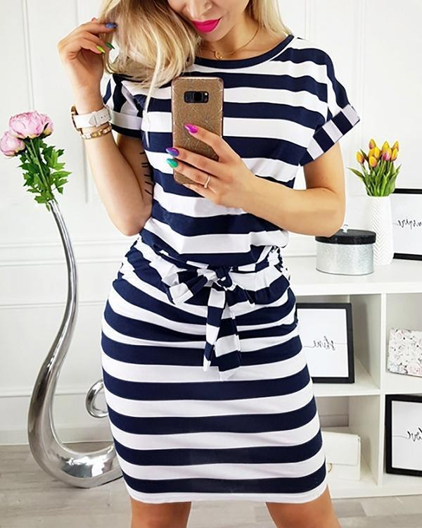 Short Sleeve Stripe Round Neck Lace-up Waist Casual Dress