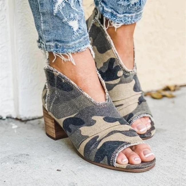 Women Chunky Canvas Sandals