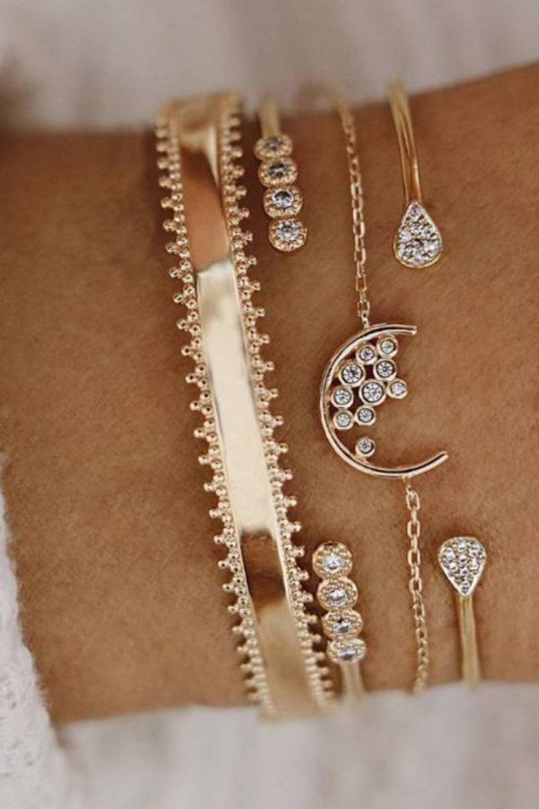 Bomshe 4-piece Gold Bracelet