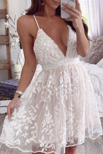 Bomshe Backless Embroidered White Mini Dress
