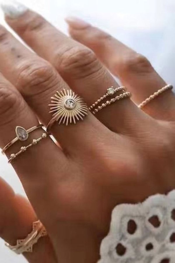 Dokifans 5-piece Gold Ring