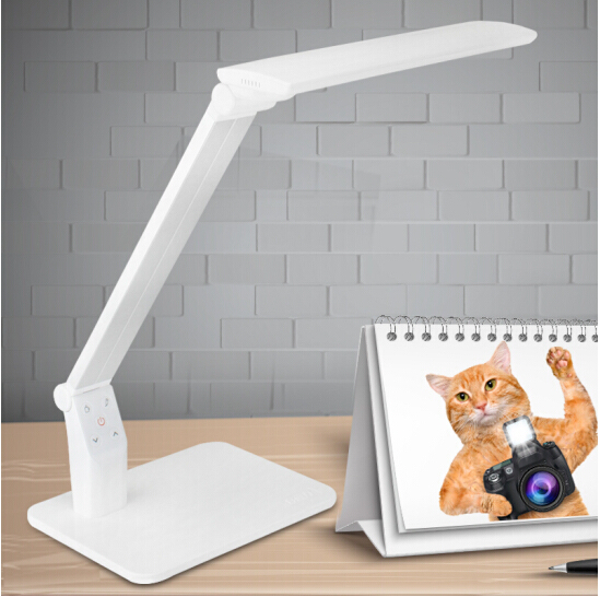 Eye care Dimmable LED Task Light With USB In 5 Color Mode 5 Brightness Change