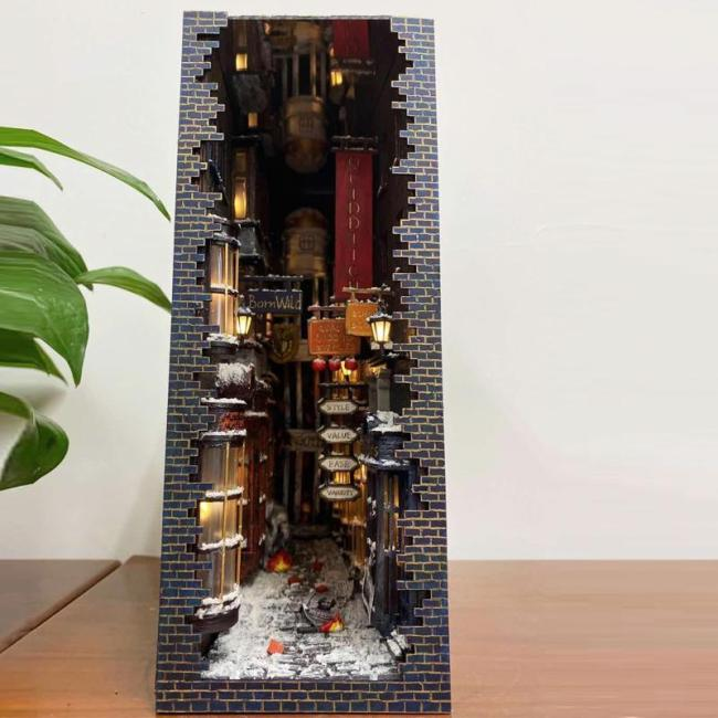 DIAGON ALLEY & GRAND STAIRCASE BOOKEND DIY ASSEMBLY KIT【free shipping】