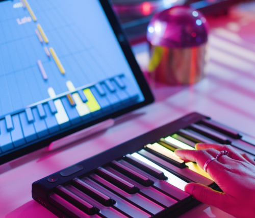 Smart illuminated keyboard