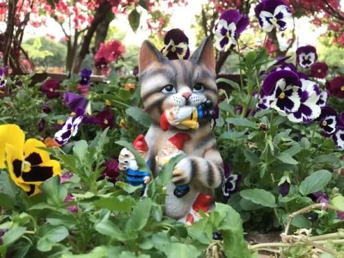 Mischievous Cat Garden Gnome Statue Figurine