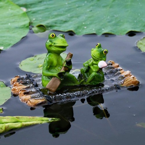 Hand Painted Resin Pond Floating Frogs Statue Creative