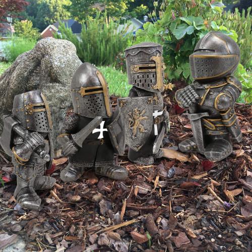 Knight Gnomes Guard-Garden Guard-Prohibition of garden gnomes massacre