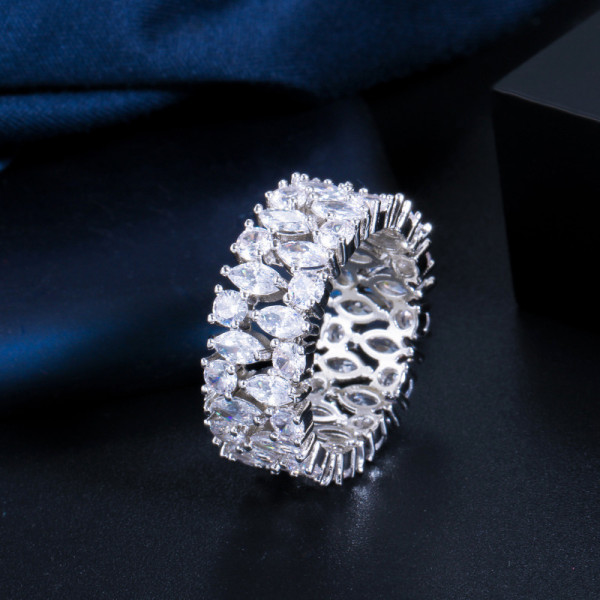 New zircon wedding ring