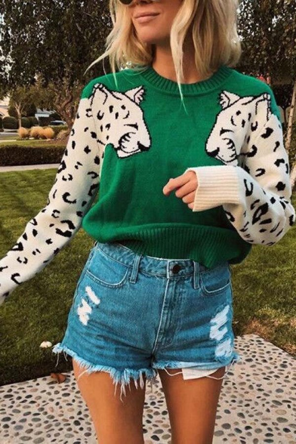 Beriful Snow Leopard Design Knit Sweater