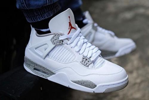 Air Jordan 4 Tech Grey / Oreo White