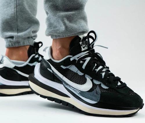 【Clearance】Nike VaporWaffle Sacai Black White(US7)